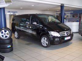 455 Mercedes Viano Firmenwerbung