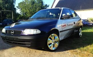 494 Opel Astra Teilverklebung